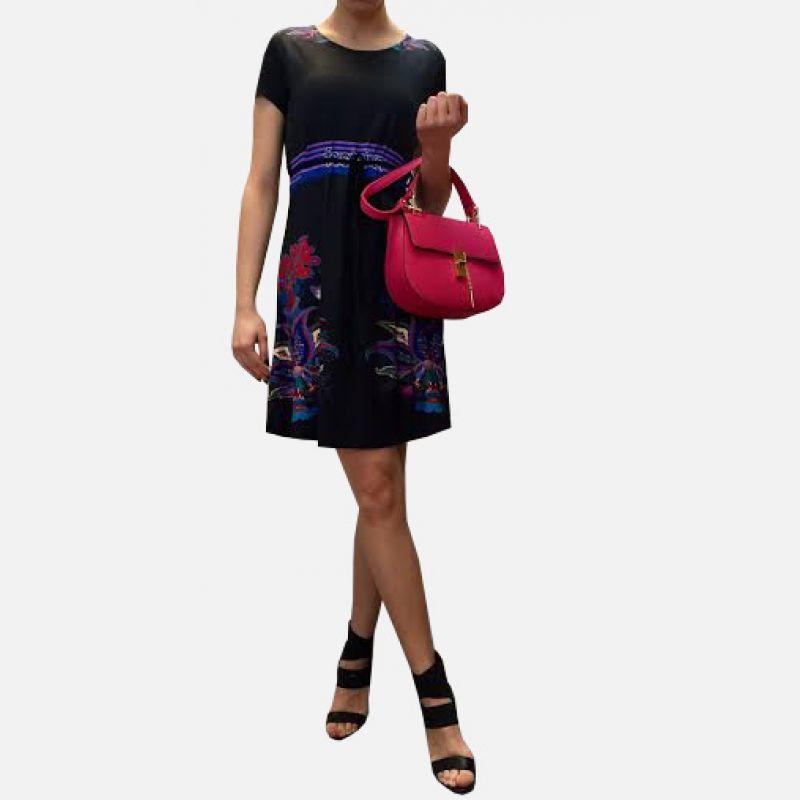 Sukienka z motywem kwiatowym czarna - 16820